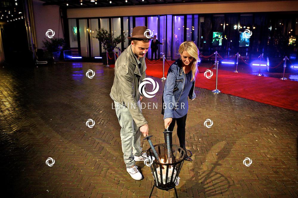 SCHEVENINGEN - In het AFAS Circustheater is de perspresentatie gehouden van de nieuwe Stage Entertainment musical Wicked.  Met op de foto Chantal Janzen die de rol van Glinda speelt en Jim Bakkum met de rol van Fiyero. FOTO LEVIN DEN BOER - PERSFOTO.NU