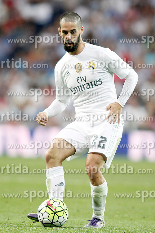 26.09.2015, Estadio Santiago Bernabeu, Madrid, ESP, Primera Division, Real Madrid vs Malaga CF, 6. Runde, im Bild Real Madrid's Isco // during the Spanish Primera Division 6th round match between Real Madrid and Malaga CF at the Estadio Santiago Bernabeu in Madrid, Spain on 2015/09/26. EXPA Pictures &copy; 2015, PhotoCredit: EXPA/ Alterphotos/ Acero<br /> <br /> *****ATTENTION - OUT of ESP, SUI*****