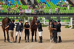 Vallette Thibaut (FRA), Nicolas Astier (FRA), Laghouag Karim (FRA), Lemoine Mathieu (FRA)<br /> Nicolas, Astier (FRA);<br /> Laghouag, Karim (FRA);<br /> Lemoine, Mathieu (FRA), <br /> Rio de Janeiro - Olympische Spiele 2016<br /> Siegerehrung Vielseitigkeit Mannschaftsentscheidung<br /> © www.sportfotos-lafrentz.de/Stefan Lafrentz