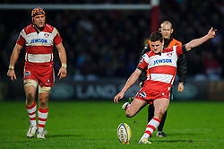 Gloucester Fly-Half (#10) Freddie Burns kicks a Penalty during the second half of the match - Photo mandatory by-line: Rogan Thomson/JMP - Tel: Mobile: 07966 386802 05/01/2013 - SPORT - RUGBY - Kingsholm Stadium - Gloucester. Gloucester Rugby v London Irish - Aviva Premiership.
