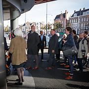 NLD/Amsterdam/20181027 - Herdenkingsdienst Wim Kok, genodigden arriveren