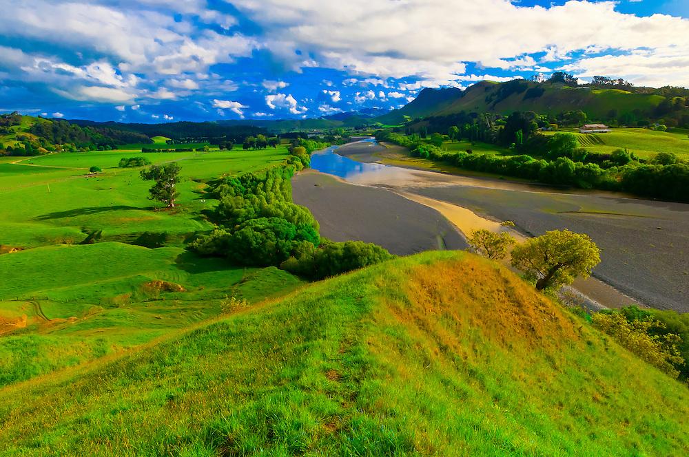 Tuki Tuki Hills (with the Tukituki River and Te Mata Peak in back), near Napier, Hawkes Bay, north island, New Zealand
