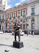 Human statue Street Performer, Madrid, Spain