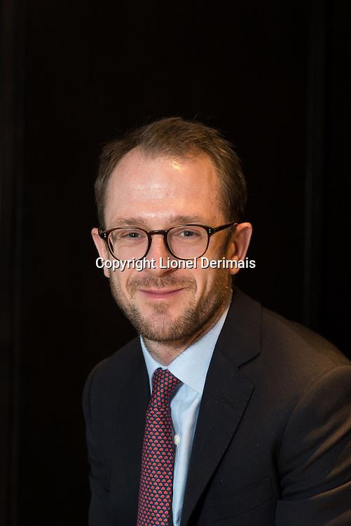 Oliver Edwards, Linklaters