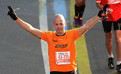 03-11-2013 ALGEMEEN: BVDGF NY MARATHON: NEW YORK <br /> De NY marathon werd weer een groot succes voor de BvdGf. Alle lopers hebben met prachtige tijden de finish gehaald / Jeroen finisht in 5:00:18<br /> ©2013-FotoHoogendoorn.nl