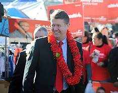 Auckland-Labour Leader David Cunnliffe on Otara market walkabout