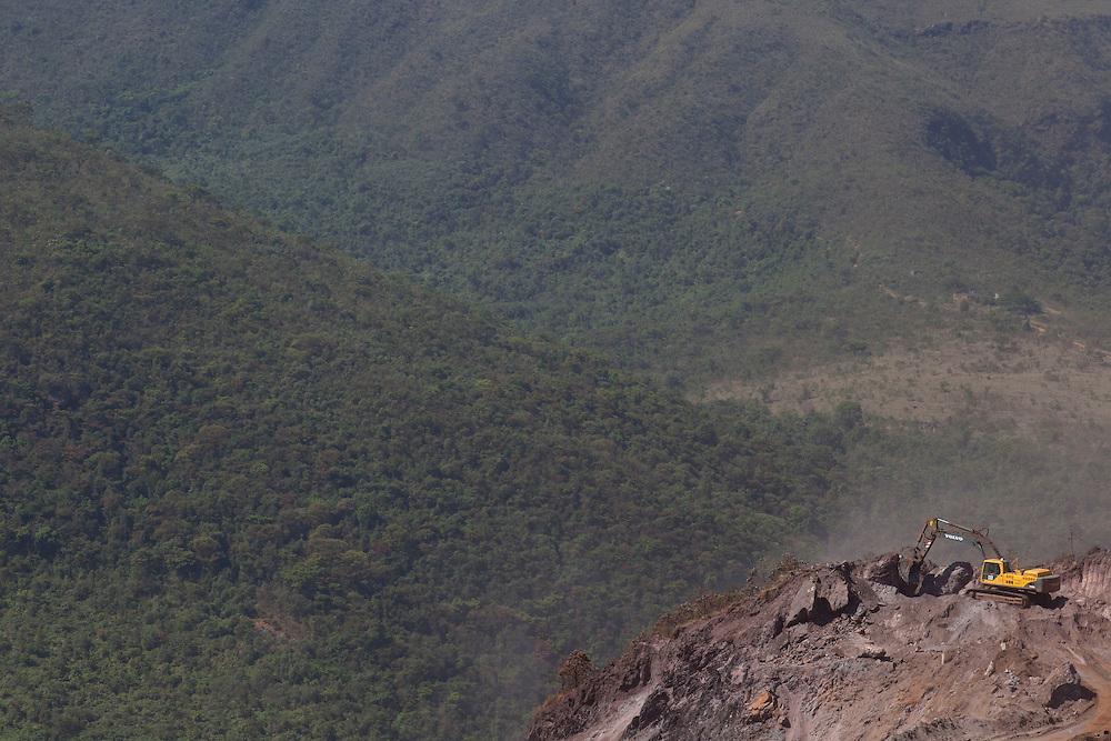 Igarape_MG. Brasil. <br /> <br /> Mina em Igarape, Minas Gerais.<br /> <br /> Mine in Igarape, Minas Gerais.<br /> <br /> Foto: RODRIGO LIMA / NITRO.