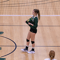 1st year setter Elizabeth Tooth (6) of the Regina Cougars in action during Women's Volleyball home game on November 19 at Centre for Kinesiology, Health and Sport. Credit: Arthur Ward/Arthur Images