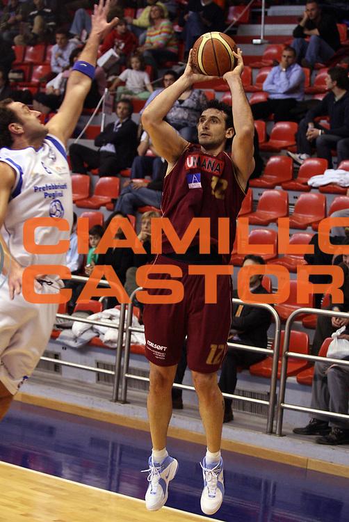 DESCRIZIONE : Milano Coppa Italia Campionato Nazionale Maschile Serie B di Eccellenza 2006-07 Semifinale Prefabbricati Pugliesi Brindisi Umana Venezia<br /> GIOCATORE : Sartori<br /> SQUADRA : Umana Venezia<br /> EVENTO : Campionato Nazionale Maschile Serie B di Eccellenza 2006-2007 Coppa Italia Semifinale<br /> GARA : Prefabbricati Pugliesi Brindisi Umana Venezia<br /> DATA : 05/04/2007<br /> CATEGORIA : Tiro<br /> SPORT : Pallacanestro <br /> AUTORE : Agenzia Ciamillo-Castoria/G.Ciamillo<br /> Galleria : Campionato Nazionale Maschile Serie B 2006-2007<br /> Fotonotizia : Milano Coppa Italia Serie B di Eccellenza 2006-2007 Semifinale Prefabbricati Pugliesi Brindisi Umana Venezia<br /> Predefinita :