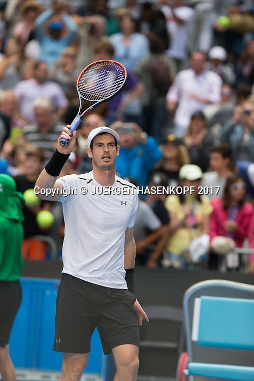 ANDY MURRAY (GBR) winkt und bedankt sich beim Publikum nach seinem Sieg,<br /> <br /> Australian Open 2017 -  Melbourne  Park - Melbourne - Victoria - Australia  - 20/01/2017.