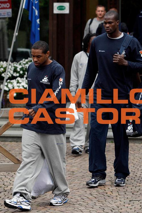 DESCRIZIONE : Bormio Lega A1 2008-09 ritiro Montepaschi Siena <br /> GIOCATORE : Terrell Mc Intyre <br /> SQUADRA : Montepaschi Siena <br /> EVENTO : Campionato Lega A1 2008-2009 <br /> GARA : Montepaschi Siena Trabzonspor Alpella <br /> DATA : 04/09/2008 <br /> CATEGORIA : Ritratto <br /> SPORT : Pallacanestro <br /> AUTORE : Agenzia Ciamillo-Castoria/P.Lazzeroni