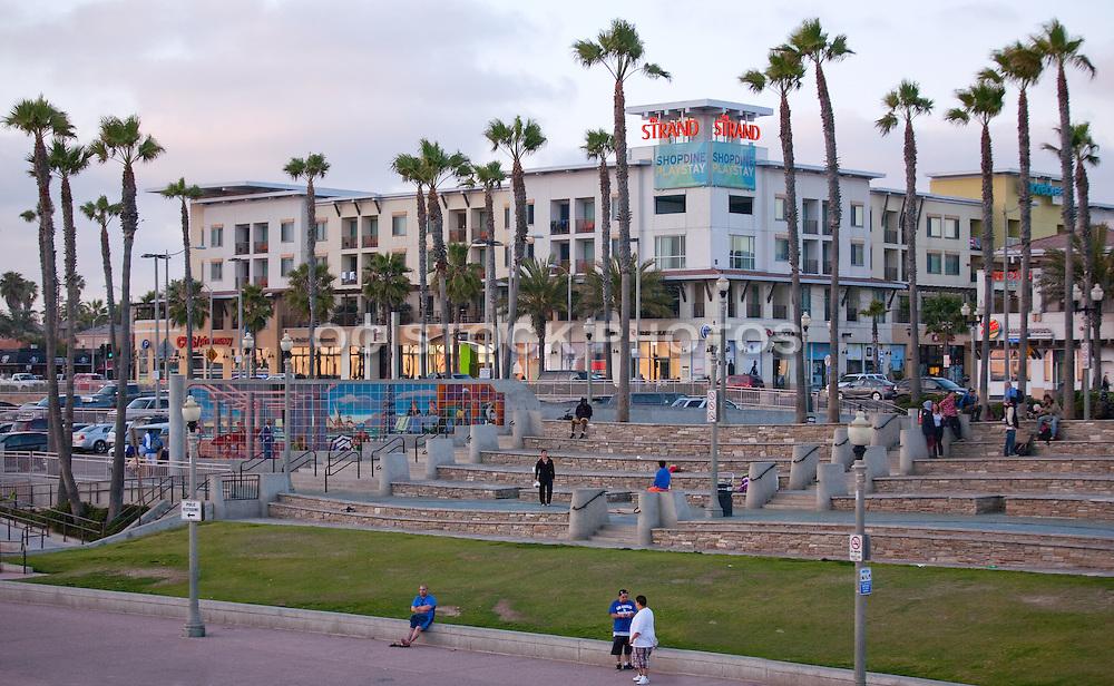 Downtown Huntington Beach at Pierside Plaza