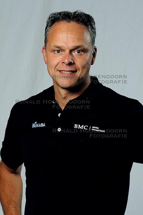 01-09-2011 VOLLEYBAL: PHOTOSHOOT SSS: BARNEVELD<br /> Trainer coach Marcel Ruijterlinde<br /> &copy;2011-FotoHoogendoorn.nl