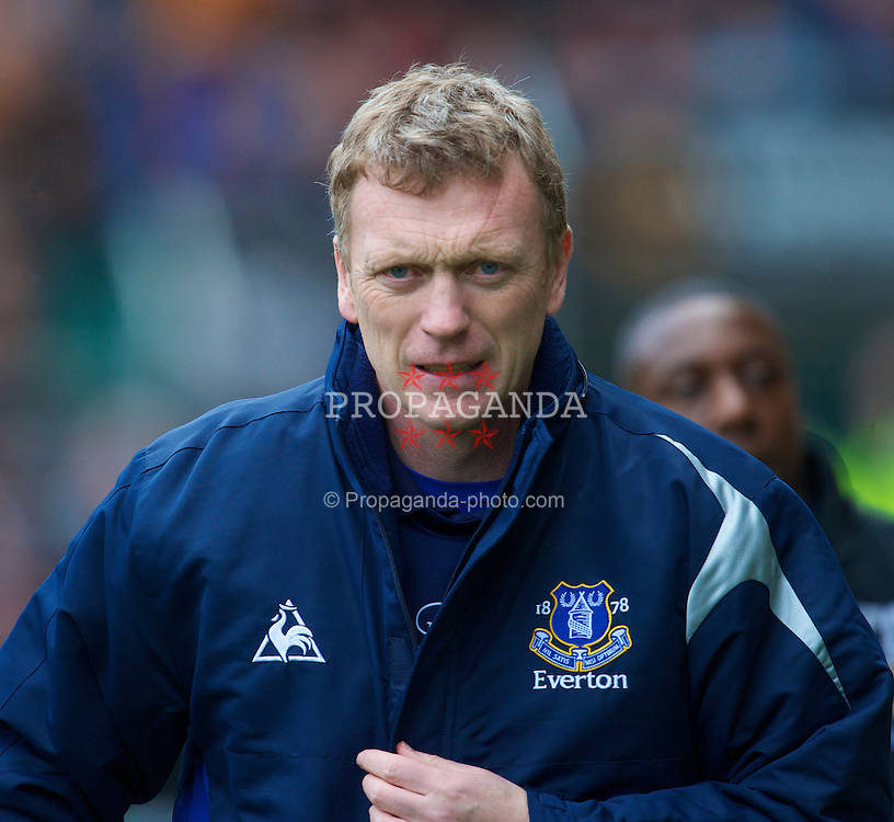 WOLVERHAMPTON, ENGLAND - Saturday, March 27, 2010: Everton's manager David Moyes before the Premiership match against Wolverhampton Wanderers at Molineux. (Photo by David Rawcliffe/Propaganda)