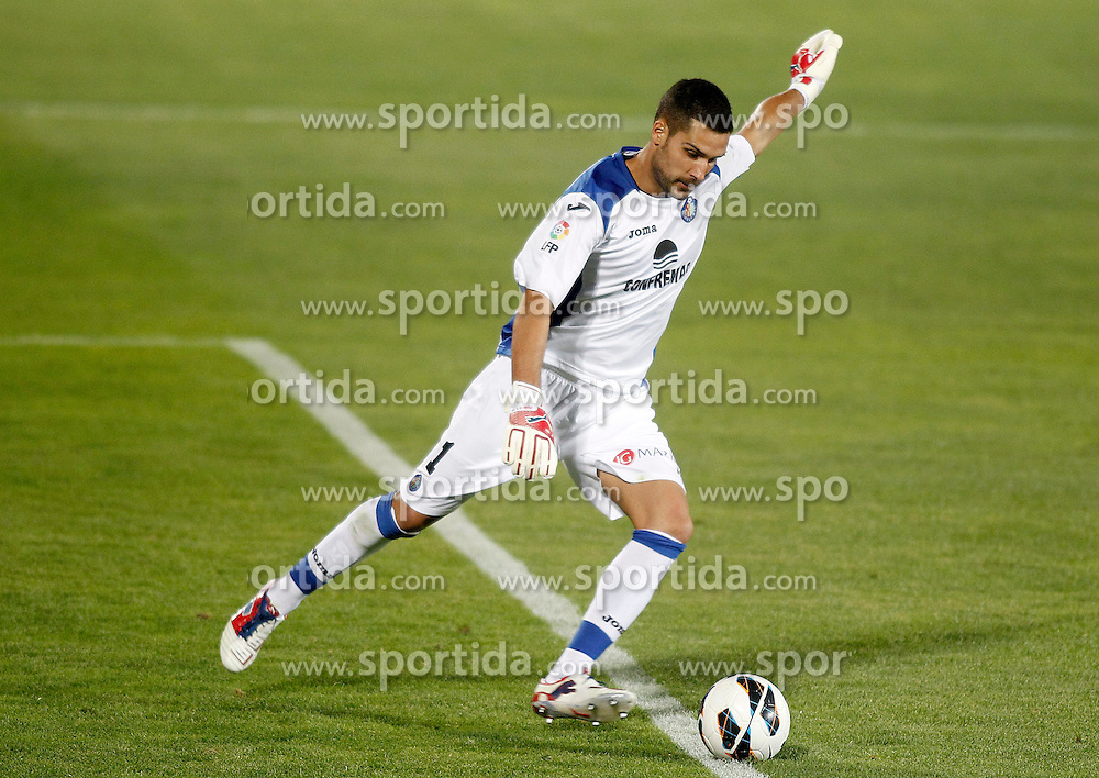 15.09.2012, Coliseum Alfonso Perez, Getafe, ESP, Primera Division, FC Getafe vs FC Barcelona, 04. Runde, im Bild Getafe's Miguel Angel Moya // during the Spanish Primera Division 04th round match between Getafe CF and Barcelona FC at the Coliseum Alfonso Perez, Getafe, Spain on 2012/09/15. EXPA Pictures © 2012, PhotoCredit: EXPA/ Alterphotos/ Acero..***** ATTENTION - OUT OF ESP and SUI *****