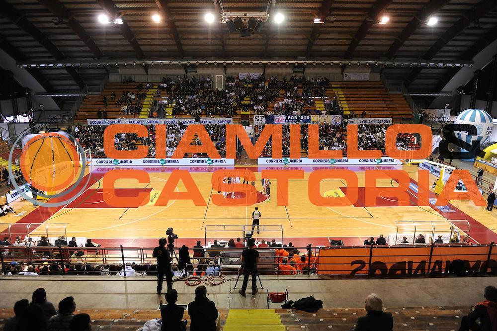DESCRIZIONE : Perugia Lega A1 Femminile 2010-11 Coppa Italia Finale Famila Schio Liomatic Umbertide<br /> GIOCATORE : Sponsor<br /> SQUADRA : Famila Schio Liomatic Umbertide<br /> EVENTO : Campionato Lega A1 Femminile 2010-2011 <br /> GARA : Famila Schio Liomatic Umbertide<br /> DATA : 13/03/2011 <br /> CATEGORIA : <br /> SPORT : Pallacanestro <br /> AUTORE : Agenzia Ciamillo-Castoria/M.Marchi<br /> Galleria : Lega Basket Femminile 2010-2011 <br /> Fotonotizia : Perugia Lega A1 Femminile 2010-11 Coppa Italia Finale Famila Schio Liomatic Umbertide<br /> Predefinita :