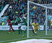 4th November 2017, Easter Road, Edinburgh, Scotland; Scottish Premiership football, Hibernian versus Dundee; Dundee's Marcus Haber scores for 1-1