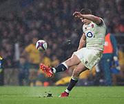 Twickenham, Surrey. UK. Owen FARRELL, kicking, during the <br /> England VS Australia, Autumn International. Old Mutual W ealth Series. RFU Stadium, Twickenham. UK<br /> <br /> Saturday  18.11.17<br /> <br /> [Mandatory Credit Peter SPURRIER/Intersport Images]