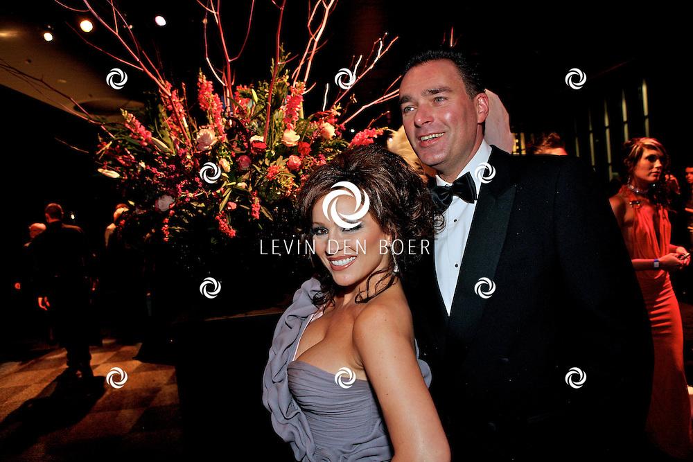 AMSTERDAM - In de Rai Amsterdam is de Miljonair Fair 2011 gehouden.  Met op de foto Tatjana Simic en Paul Schulten. FOTO LEVIN DEN BOER - PERSFOTO.NU