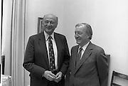 Mayor of New York, Ed Koch, with Taoiseach.14/10/1982  Mayor Koch of New York visits Taoiseach..1982.14.10.1982.10.14.1982.14th October 1982..The Taoiseach, Mr Charles Haughey Greets the Mayor of New York, Mr Edward Koch on his arrival at Government Buildings,Dublin.