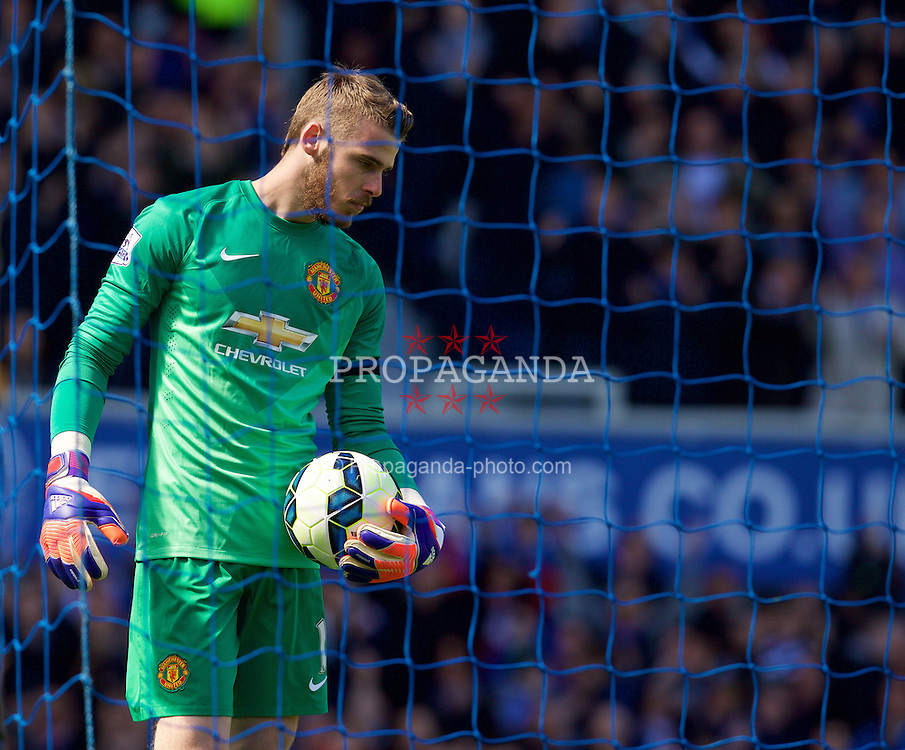 LIVERPOOL, ENGLAND - Sunday, April 26, 2015: Manchester United's goalkeeper David de Gea looks dejected as Everton score the second goal during the Premier League match at Goodison Park. (Pic by David Rawcliffe/Propaganda)
