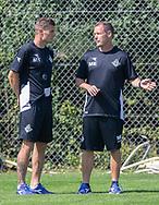 Assistenttræner Mikkel Thygesen og cheftræner Morten Eskesen (FC Helsingør) under kampen i 2. Division mellem Skovshoved IF og FC Helsingør den 3. august 2019 i Skovshoved Idrætspark (Foto: Claus Birch)