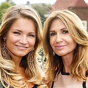 NLD/Amsterdam/20150903 - Talkies Terras Lunch 2015, Yvonne Dubbelboer en dochter Shirley