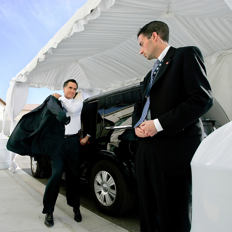 Simi Valley, California, USA, 20070503: Republican Presidential hopeful Mitt Romney puts on his suit jacket before entering the Ronald Reagan Presidential Library in Simi Valley, California, for the Republican Presidential debate. Photo: Orjan F. Ellingvag/ Dagens Naringsliv/ Corbis
