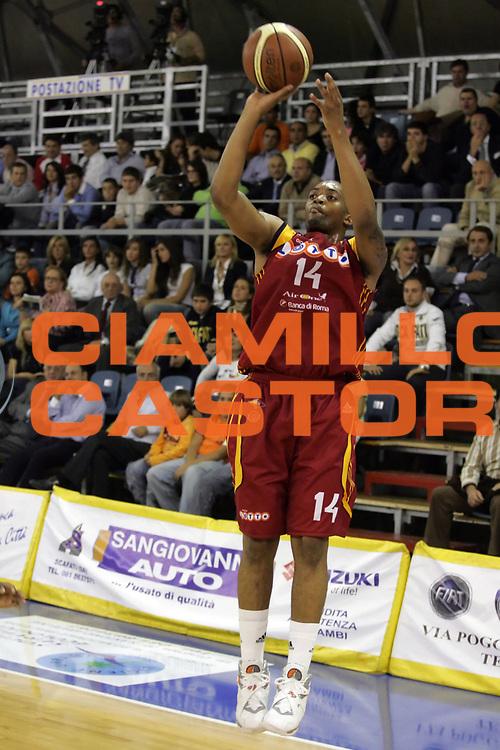 DESCRIZIONE : Scafati Lega A1 2007-08 Legea Scafati Lottomatica Virtus Roma<br /> GIOCATORE : Allan Ray<br /> SQUADRA : Lottomatica Virtus Roma<br /> EVENTO : Campionato Lega A1 2007-2008 <br /> GARA : Legea Scafati Lottomatica Virtus Roma<br /> DATA : 18/10/2007<br /> CATEGORIA : Tiro<br /> SPORT : Pallacanestro <br /> AUTORE : Agenzia Ciamillo-Castoria/A.De Lise
