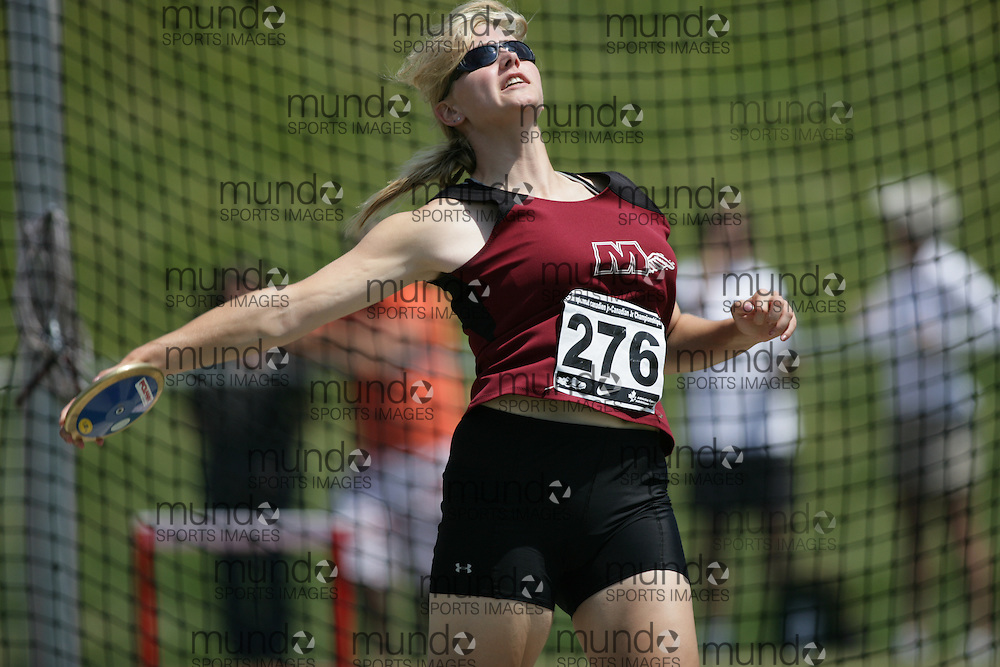 (Charlottetown, Prince Edward Island -- 20090719) Karen Ferris of Flying M Athletic Club competes in the discus final at the 2009 Canadian Junior Track & Field Championships at UPEI Alumni Canada Games Place on the campus of the University of Prince Edward Island, July 17-19, 2009.  Sean Burges / Mundo Sport Images ..Mundo Sport Images has been contracted by Athletics Canada to provide images to the media.