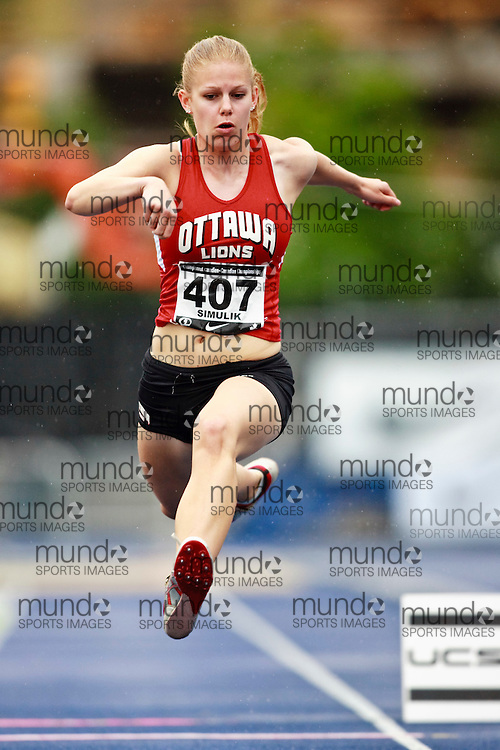 Toronto, Ontario ---28/06/09---  Mila Simulik competing in  at the Canadian National Track and Field Championships in Toronto, Ontario June 28, 2009..GEOFF ROBINS Mundo Sport Images