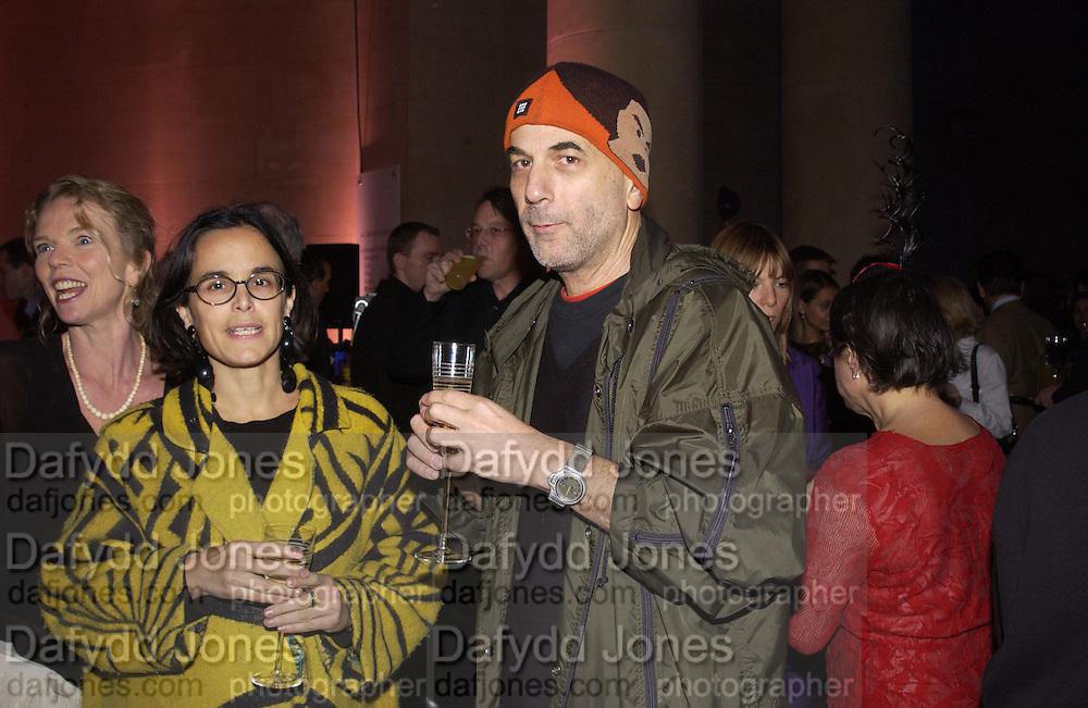 Alma Arad and Ron Arad. Turner Prize. Tate Gallery. 8 December 2002. © Copyright Photograph by Dafydd Jones 66 Stockwell Park Rd. London SW9 0DA Tel 020 7733 0108 www.dafjones.com