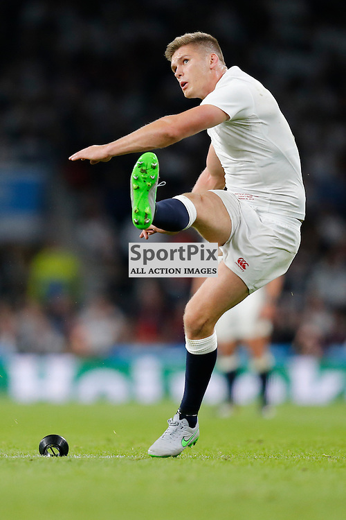 TWICKENHAM, ENGLAND - SEPTEMBER 26:  England's fly half Owen Farrell (10) kicks for the posts during the 2015 Rugby World Cup Pool A match between England and Wales at Twickenham Stadium on September 26, 2015 in London, England. (Credit: SAM TODD | SportPix.org.uk)