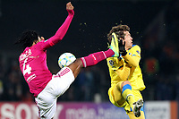FOOTBALL - UEFA CHAMPIONS LEAGUE 2011/2012 - 1/8 FINAL - 1ST LEG - OLYMPIQUE LYONNAIS v APOEL FC - 14/02/2012 - PHOTO EDDY LEMAISTRE / DPPI - BAKARY KONE (OL) AND ESTEBAN SOLARI (APOEL FC)