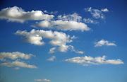 A87BY7 Cumulus clouds in blue sky