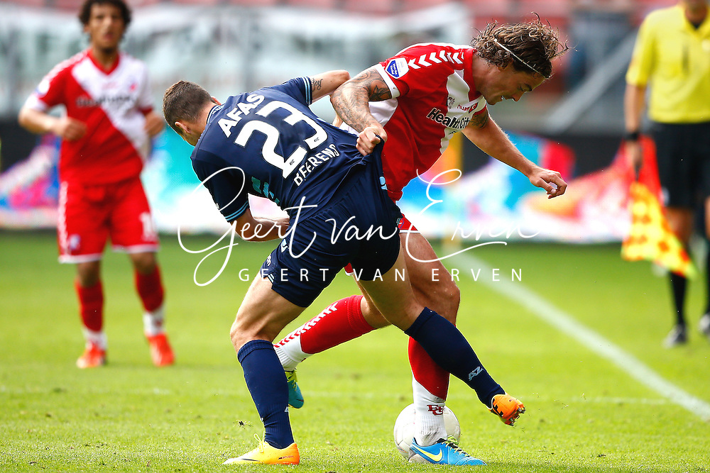 Onderwerp/Subject: FC Utrecht - AZ Alkmaar - Eredivisie<br /> Reklame:  <br /> Club/Team/Country: <br /> Seizoen/Season: 2013/2014<br /> FOTO/PHOTO: Dave BULTHUIS ( Davy BULTHUIS ) (R) of FC Utrecht in duel with Roy BEERENS (L) of AZ Alkmaar. (Photo by PICS UNITED)<br /> <br /> Trefwoorden/Keywords: <br /> #04 $94 &plusmn;1371811811150<br /> Photo- &amp; Copyrights &copy; PICS UNITED <br /> P.O. Box 7164 - 5605 BE  EINDHOVEN (THE NETHERLANDS) <br /> Phone +31 (0)40 296 28 00 <br /> Fax +31 (0) 40 248 47 43 <br /> http://www.pics-united.com <br /> e-mail : sales@pics-united.com (If you would like to raise any issues regarding any aspects of products / service of PICS UNITED) or <br /> e-mail : sales@pics-united.com   <br /> <br /> ATTENTIE: <br /> Publicatie ook bij aanbieding door derden is slechts toegestaan na verkregen toestemming van Pics United. <br /> VOLLEDIGE NAAMSVERMELDING IS VERPLICHT! (&copy; PICS UNITED/Naam Fotograaf, zie veld 4 van de bestandsinfo 'credits') <br /> ATTENTION:  <br /> &copy; Pics United. Reproduction/publication of this photo by any parties is only permitted after authorisation is sought and obtained from  PICS UNITED- THE NETHERLANDS
