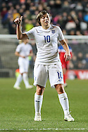 Fran Kirby of England Women puts her thumb up to acknolweldge a good pass during the International Friendly match at stadium:mk, Milton Keynes<br /> Picture by David Horn/Focus Images Ltd +44 7545 970036<br /> 13/02/2015