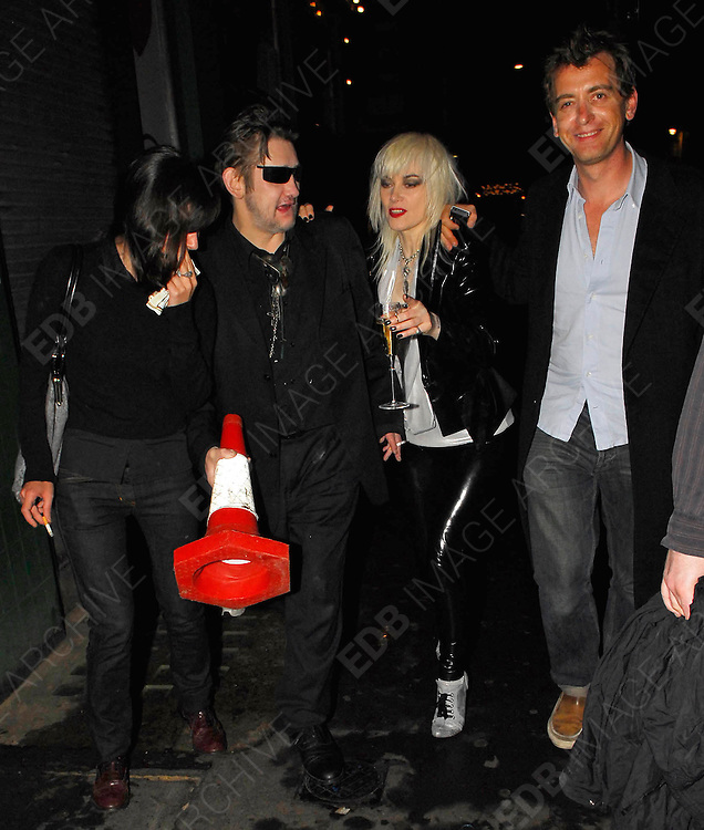 21.06.2007. LONDON<br /> <br /> A HOST OF CELEBRATIES LEAVING RONNIE SCOTTS JAZZ BAR IN SOHO AFTER ATTENDING A  CHARITY EVENT TO RAISE MONEY FOR REFUGEES IN PALESTINE.<br /> <br /> BYLINE: EDBIMAGEARCHIVE.CO.UK<br /> <br /> *THIS IMAGE IS STRICTLY FOR UK NEWSPAPERS AND MAGAZINES ONLY*<br /> *FOR WORLD WIDE SALES AND WEB USE PLEASE CONTACT EDBIMAGEARCHIVE - 0208 954 5968*