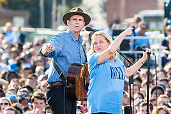 November 2, 2016 - Chapel Hill, North Carolina, U.S - Music Artist James Taylor campaigns with President Barack Obama for Hillary Clinton in Chapel Hill, NC at the University of North Carolina-Chapel Hill, Michael Hooker Fields. (Credit Image: © Andy Martin Jr. via ZUMA Wire)