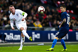 Wayne Rooney of England takes on Christian Pulisic of USA - Mandatory by-line: Robbie Stephenson/JMP - 15/11/2018 - FOOTBALL - Wembley Stadium - London, England - England v United States of America - International Friendly
