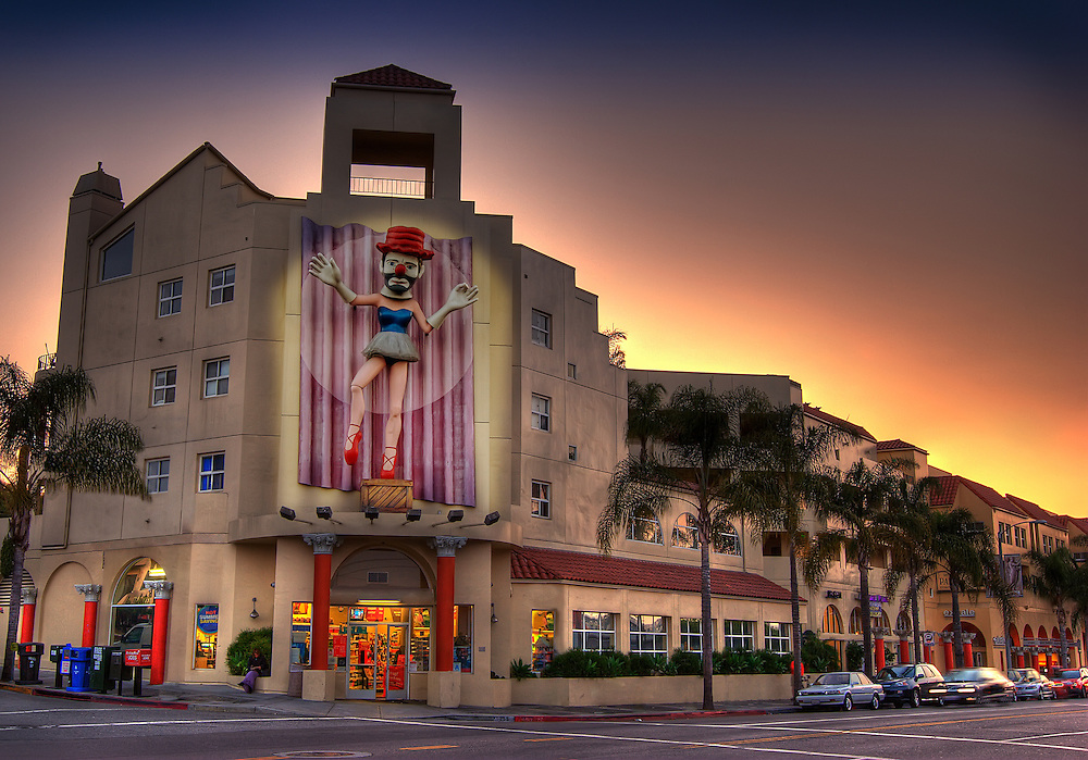 Building with a clown on it on Main St., Santa Monica, CA