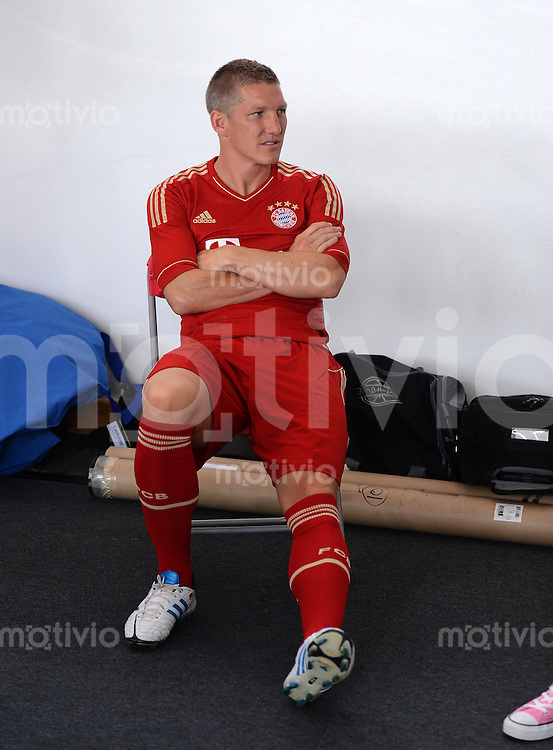 FUSSBALL     1. BUNDESLIGA     SAISON  2012/2013     30.07.2012 Fototermin beim  FC Bayern Muenchen  Bastian Schweinsteiger