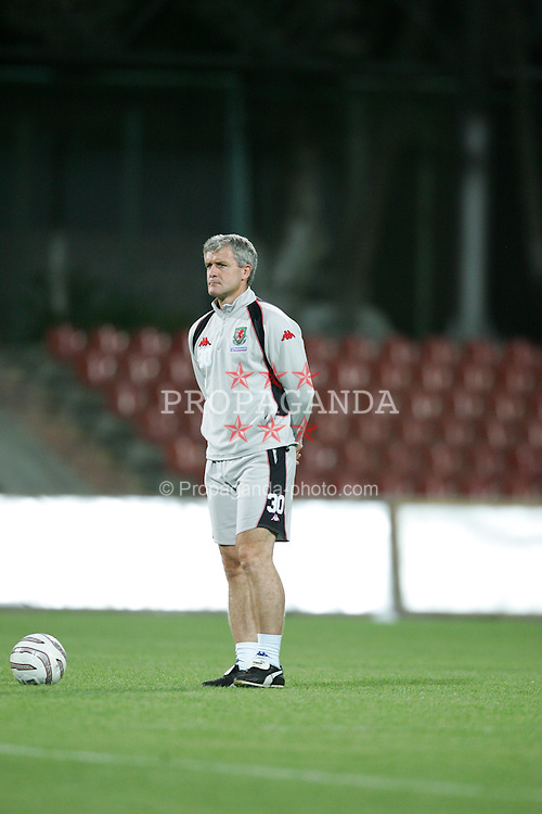 BAKU, AZERBAIJAN - FRIDAY SEPTEMBER 3rd 2004: Wales' Mark Hughes training ahead of his side's opening World Cup Qualifyer against Azerbaijan in Baku. (Photo by David Rawcliffe/Propaganda)