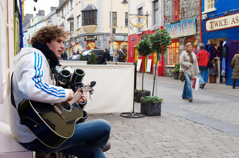 Street musician, Galway City Centre. Pic: Michael Mc laughlin