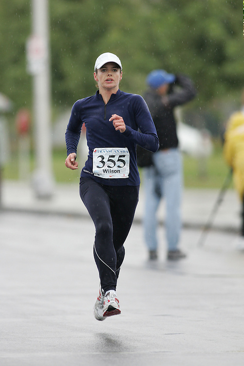 (13/10/2007--Ottawa) TransCanada 10K Canadian Championship run by Athletics Canada. The athlete in action is CYNTHIA WILSON
