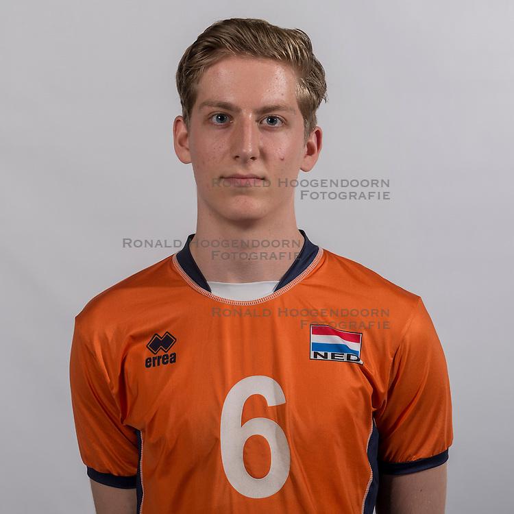 07-06-2016 NED: Jeugd Oranje jongens &lt;1999, Arnhem<br /> Photoshoot met de jongens uit jeugd Oranje die na 1 januari 1999 geboren zijn / Max van der Weerden PL