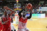 pallacanestro basket campionato 2016 2017 <br /> Varese openjobmetis Vs Pesaro :<br /> Anosike O.D