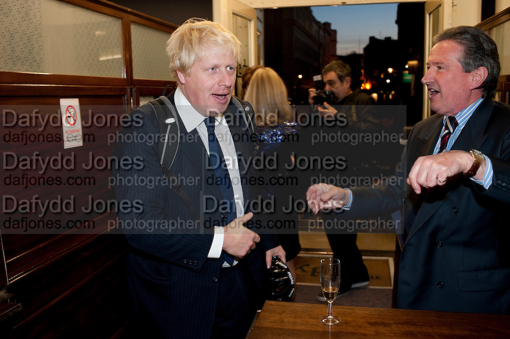 BORIS JOHNSON; PETER SHEPHERD;, Rachel's Johnson's 'A Diary of the Lady'book launch at The Lady's offices. Covent Garden. London. 30 September 2010. -DO NOT ARCHIVE-© Copyright Photograph by Dafydd Jones. 248 Clapham Rd. London SW9 0PZ. Tel 0207 820 0771. www.dafjones.com.