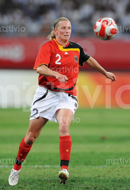 Olympia 2008  Peking  Fussball  Frauen   15.08.2008 Schweden - Deutschland Kerstin STEGEMANN (GER).