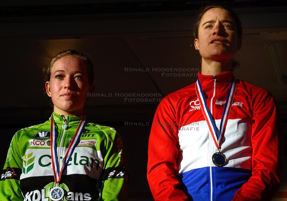 12-01-2014 WIELRENNEN: STANNAH NK CYCLOCROSS: GASSELTE<br /> Sophie de Boer wordt tweede op het NK achter Marianne Vos<br /> ©2014-FotoHoogendoorn.nl